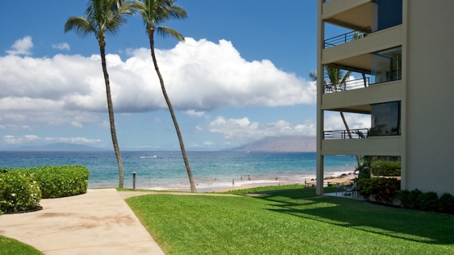 Choose from 3 different floor plans, each unit has a private lanai