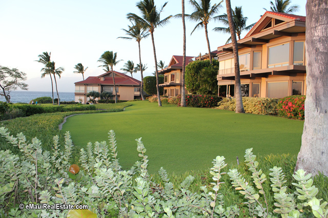 Well-maintained grounds at Wailea Point