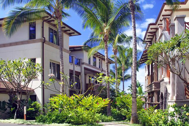 6 buildings at Wailea Beach Villas house 38 condo units