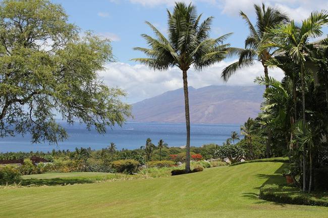 Enjoy the views of the neighboring Hawaiian islands