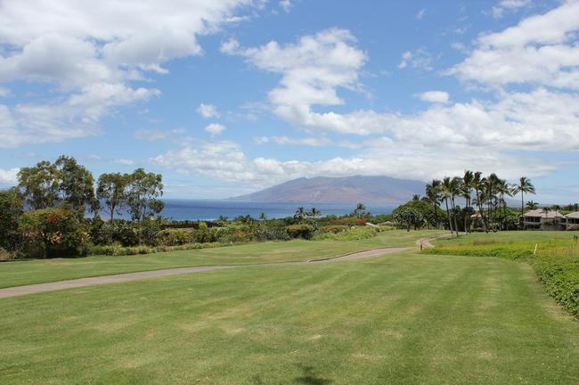 Home buyers of Wailea Fairway Villas have captivating views of the islands