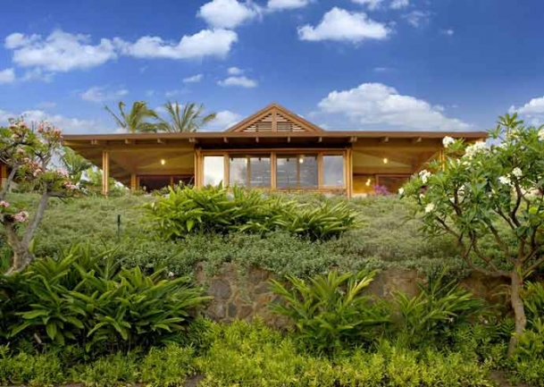 Terraced, landscaped grounds are well-cared for at Papali Wailea