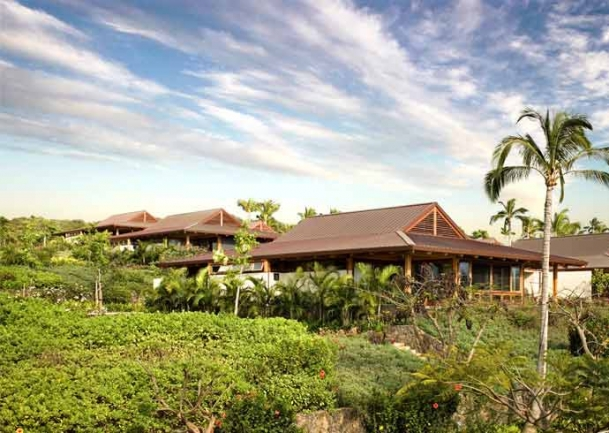 Papali Wailea offers floor to ceiling windows and 3 bedroom floor plans