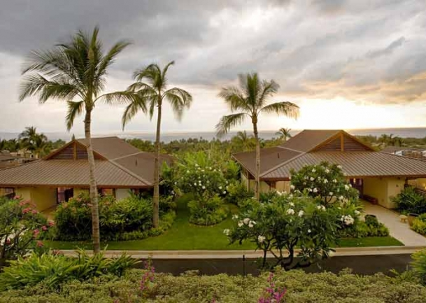 Well maintained gardens allow Papali Wailea residents to relax and enjoy the views