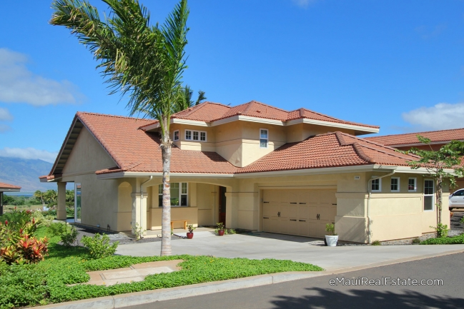 Example of Model 220 at Hokulani Golf Villas. Two-story home with 3br/3ba and 2,506sqft of living area