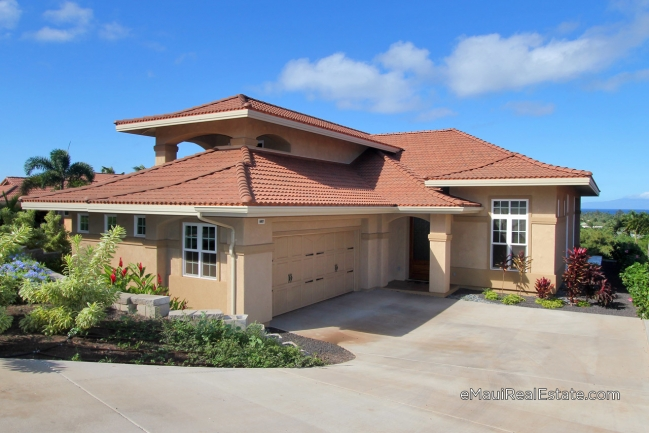 Model 110 at Hokulani features a downstairs Master suite plus 2 bedrooms upstairs