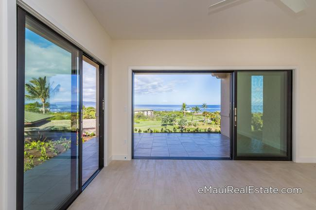 Great ocean views from even the ground floor units at Keala O Wailea. This shot was taken from an end unit in building #4.